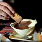 Sıcak Çikolata ve Peynir
